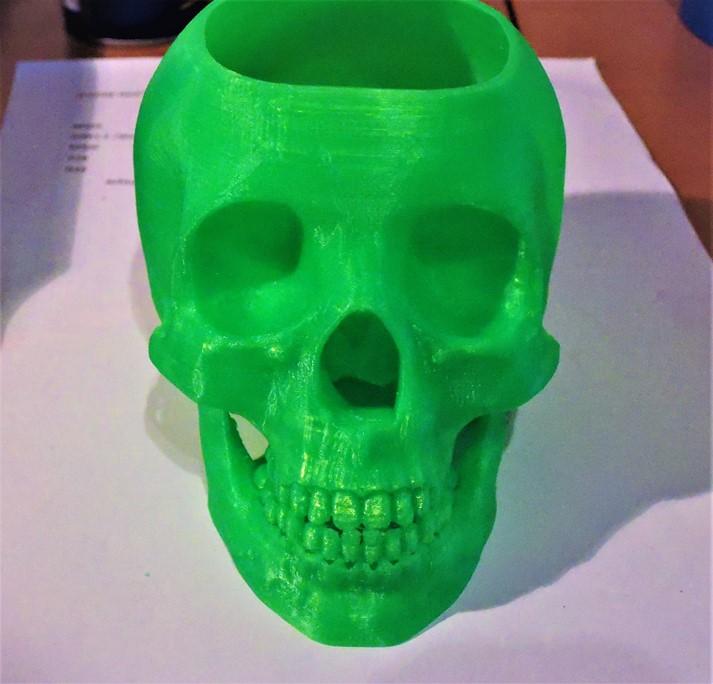 Einer meiner ersten Drucke, ein Blumentopf für meinen kleinen Chili-Pflanzen.. :-) # 3D-Drucken